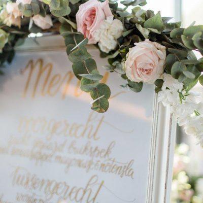 menu bruiloft kalligrafie