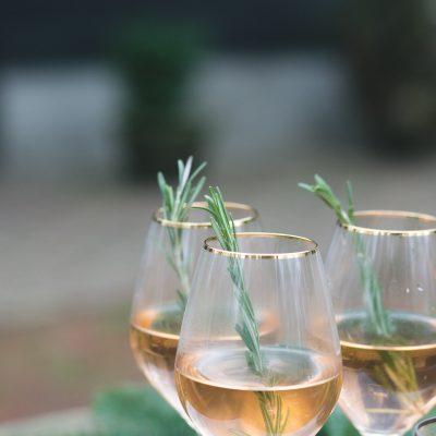 wijnglazen met gouden rand huren bruiloft of feest