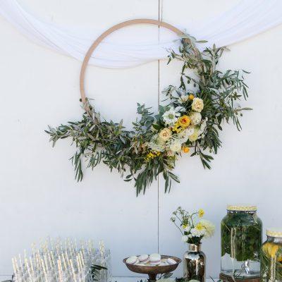 hoepels huren bruiloft ronde ringen kopen krans maken bruiloft huren ijzeren ring bloemdecoratie