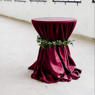 Bordeaux rode statafel stamtafel hoes cocktailtafel rok wijnrode tafelkleed