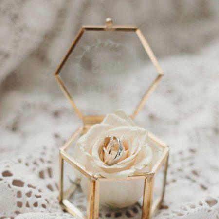 goud ringen doosje zes hoekig