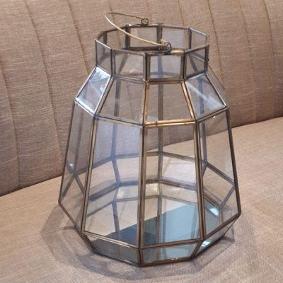 windlicht glas goud groot 10 hoekig hexagon huren bruiloft stompkaars kandelaar
