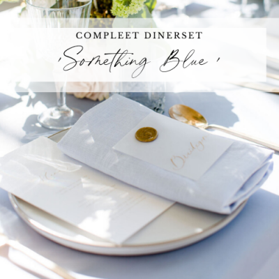 diner pakket styling decoratie tafel bruiloft aankleding lichtblauw dusty blue something blue huren