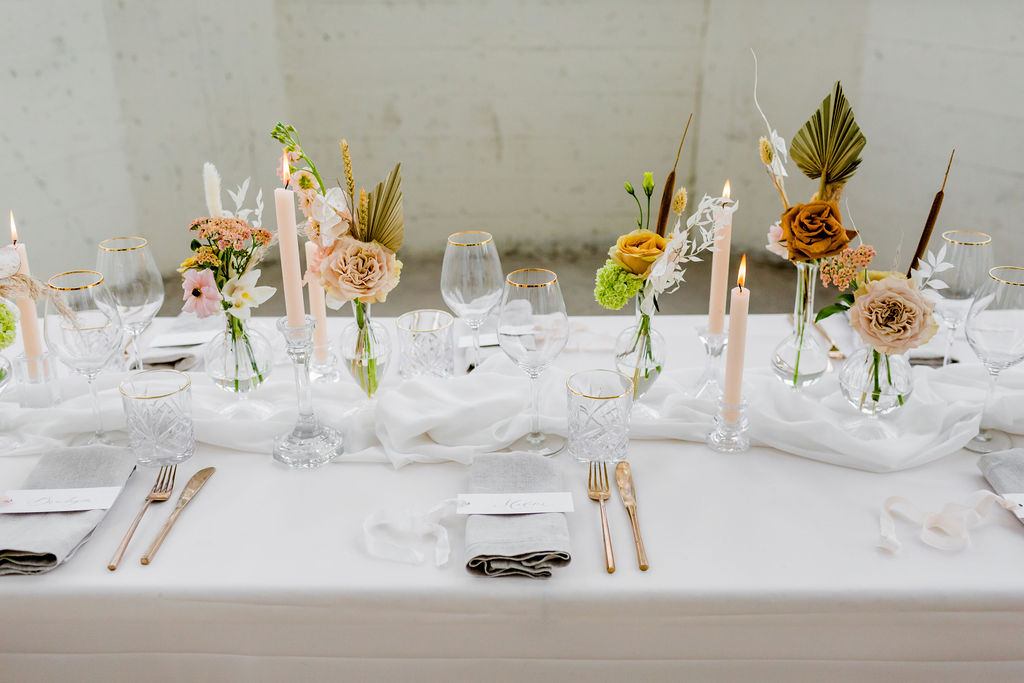 diner decoratie huren bruiloft glazen naamkaartjes bestek goud romantisch compleet set stylingspakket
